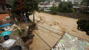 Una calle de San José, en Costa Rica, tras el paso de la tormenta Nate.