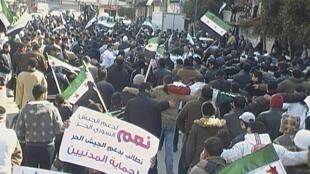 Biểu tình tại Homs chống đối chính quyền Damas và ủng Quân Đội Syria Tự Do, ngày 02/03/2012, bất chấp trấn áp.