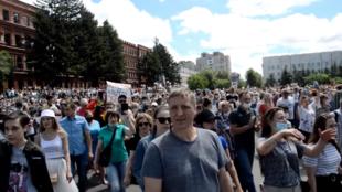 Стихийное шествие в поддержку арестованного губернатора Хабаровского края Сергея Фургала. 11 июля 2020 года.