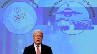 Ủy viên châu Ấu Dimitris Avramopoulos thông báo những đề xuất quy định mới về nhập cảnh vào khu vực Schengen, tại Bruxelles ngày 16/11/2016.