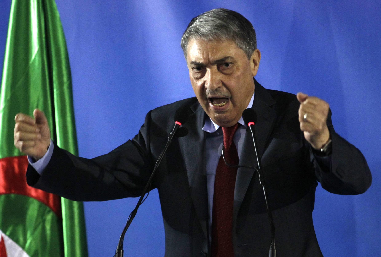 Ali Benflis, candidat à l'élection présidentielle du 17 avril 2014 en Algérie, crédité de 12 %, lors d'une conférence de presse à Alger, au lendemain du scrutin.