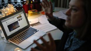 法國駐京記者高潔12月29日在北京辦公室接受路透社採訪