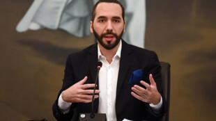 El presidente de El Salvador, Nayib Bukele, aquí en un acto público en San Salvador el 22 de febrero de 2021, aspira a consolidar su poder con una mayoría legislativa