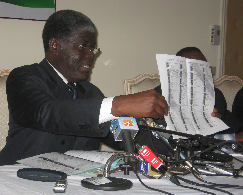Robert Beugré Mambé, président de la Commission électorale indépendante.