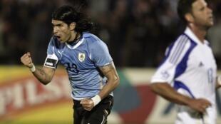 El veterano Sebastián Abreu, se convierte en el futbolista que ha militado en mayor numeros de clubes profesionales a nivel mundial con 26.