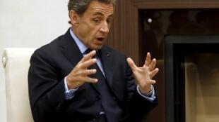 Nicolas Sarkozy a été reçu par le président russe Vladimir Poutine jeudi 29 octobre notamment sur le dossier syrien alors que s'ouvrent vendredi des discussions internationales à Vienne.