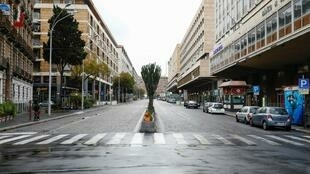 2020-03-27 italy coronavirus catania sicily lockdown deserted street