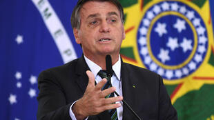 Brazilian President Jair Bolsonaro seeks an anti-Covid nasal spray developed in Israel