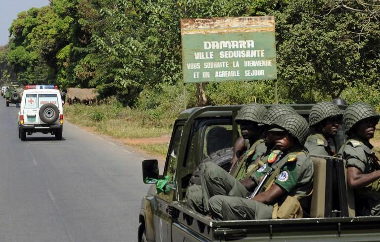 Des éléments de la Fomac arrivent à Damara, ville hautement stratégique, le 2 janvier 2013.