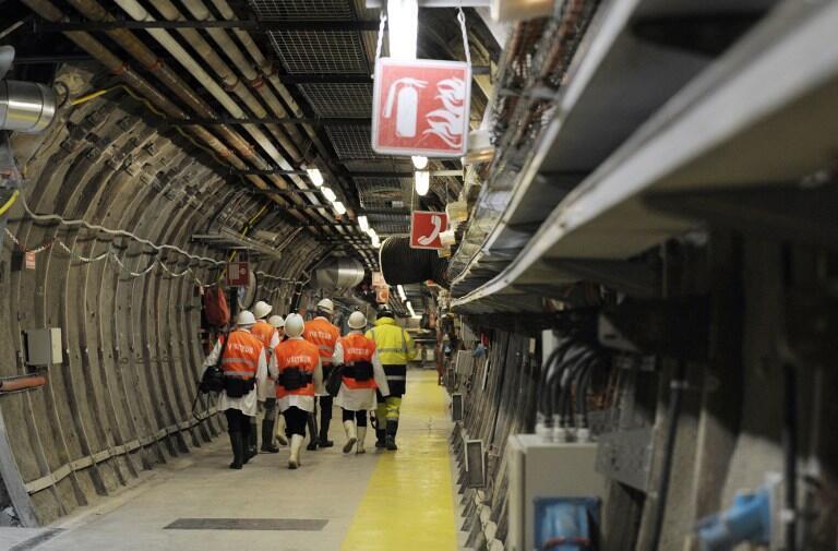 Des visiteurs dans le seul laboratoire souterrain pour l'étude du stockage géologique, à Bure. Photo du 4 février 2013.