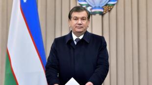 شوکت میرزایف، رئیس جمهوری موقت ازبکستان و کاندیدای ریاست جمهوری این کشور .