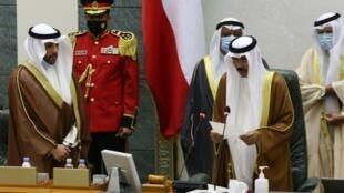 Sheikh Nawaf al-Ahmad Al-Sabah, Mfalme mpya wa Kuwait akiapishwa mbele ya Bunge la taifa nchini Kuwait Septemba 30, 2020