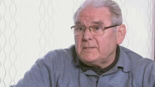 Une capture d'écran montre l'ex-évêque de Bruges Roger Vangheluwe lors d'une interview à la chaîne de télévision belge VT4, le jeudi 14 avril 2011.