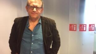 Yves Pagès à RFI.