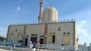 La mosquée al-Rawda de Bir al-Abed, frappée par la plus sanglante attaque de l'histoire récente de l'Egypte.
