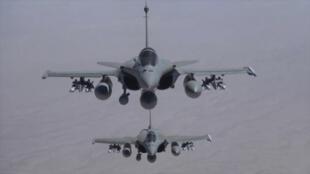 Avec la vente notamment de 24 avions Rafales à l'Egypte, l'industrie de l'armement français se porte bien.