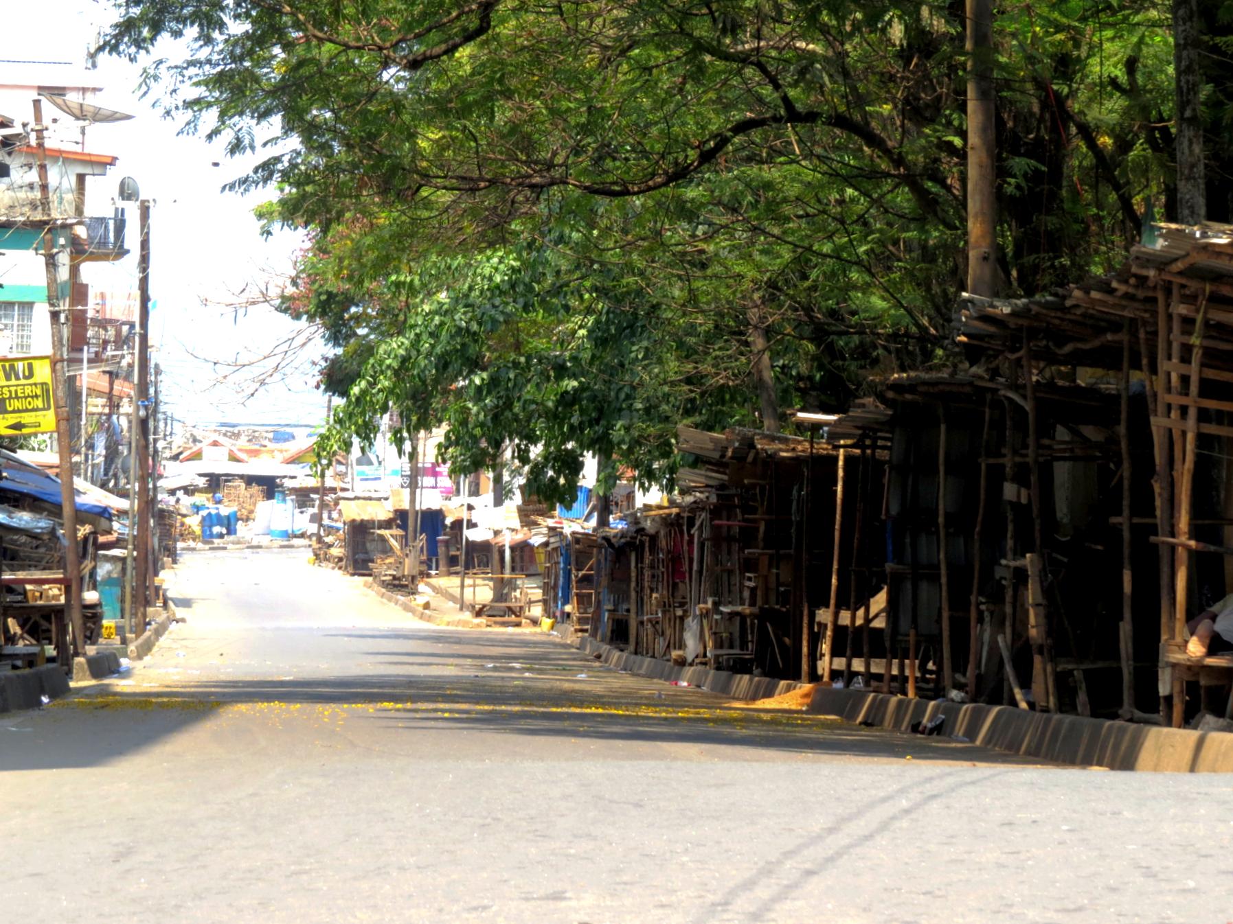 2020-04-05 sierra leone freetown empty market coronavirus lockdown