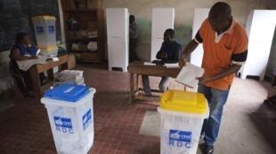 La Céni a élaboré un calendrier et un budget pour les élections de 2015-2016. Un travail «remarquable», selon l'envoyé spécial de l'UE.
