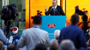 Recep Tayyip Erdogan durante a inauguração da mesquita em Colônia
