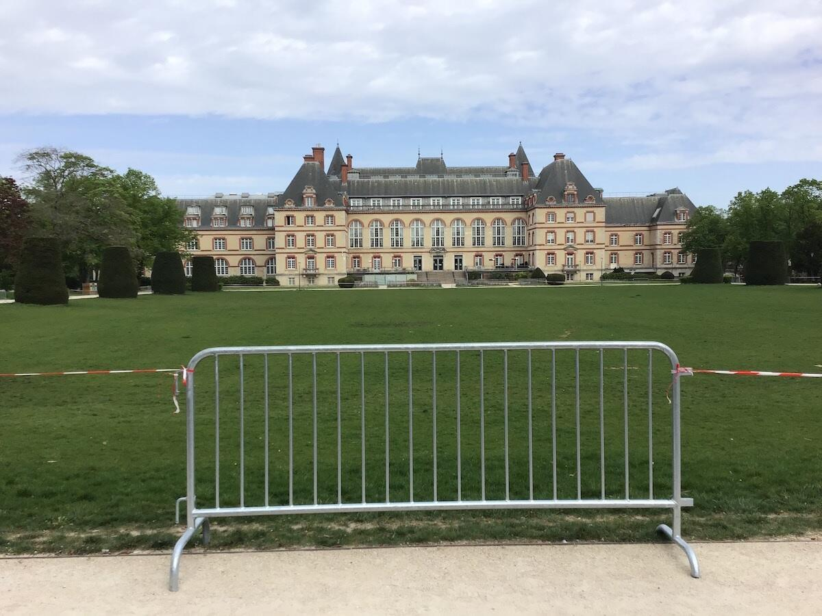 The Cité Universitaire's main lawn remains closed during lockdown, though the rest of the campus is open for students to exercise. The entire campus has been closed to the public.