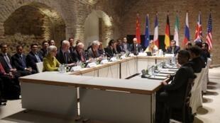 Négociations sur le nucléaire entre l'Iran et les grandes puissances au Palais Coburg, à Vienne, le 24 avril 2015.