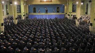 دیدار فرماندهان، مسئولان و جمعی از پرسنل نیرویهواییارتش با آیت الله خامنه ای