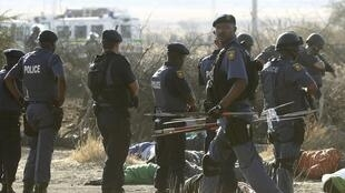 Ação policial contra mineiros em greve foi em legítima defesa, afirmou chefe da polícia