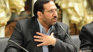 شمس الدین حسینی، وزیر  امور اقتصادی و دارایی