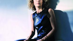 Portrait de la romancière Inès Benaroya.