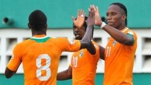 Washambuliaji wa Cote d'Ivoire Didier Drogba, Salomon Kalou na Gervinho