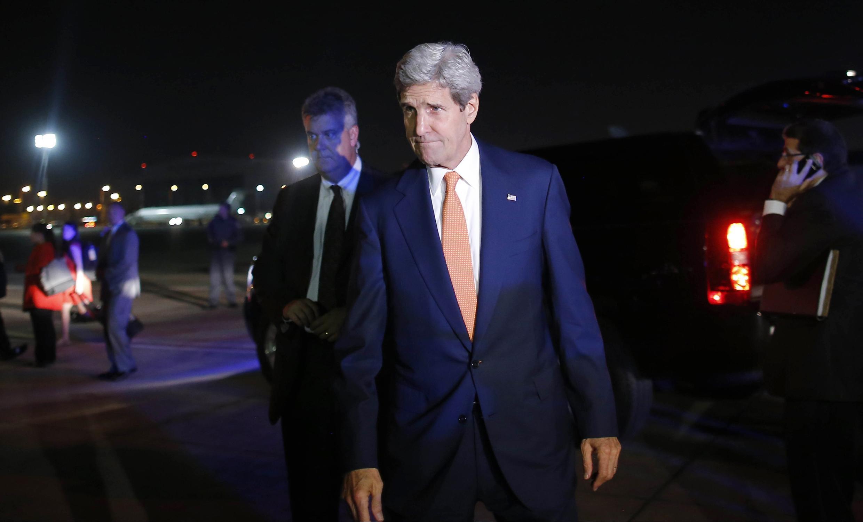Le secrétaire d'Etat américain John Kerry, après sa rencontre avec le Premier ministre israélien Benyamin Netanyahu, à Tel-Aviv, le 23 juillet 2014.