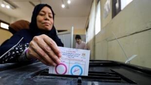 همهپرسی برای تغییر قانون اساسی مصر، به مدت ٣ روز تا دوشنبه ٢ اردیبهشت/ ٢٢ آوریل ٢٠۱٩ ادامه دارد.