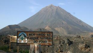 Parque natural do Fogo está sob a ameaça da lava do vulcão