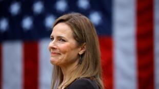 美国大法官巴雷特任命案2020年10月26日在参议院表决通过。