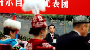 Bí thư tỉnh ủy Trần Toàn Quốc (Chen Quanguo) tỉnh Tân Cương tham dự một cuộc thảo luận tại Đại Hội Đảng CSTQ lần thứ 19, Bắc Kinh, ngày 19/10/2017.