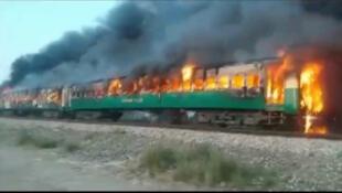 Un incendie s'est déclaré jeudi matin à bord d'un train de passagers dans la province du Pendjab au centre du Pakistan.
