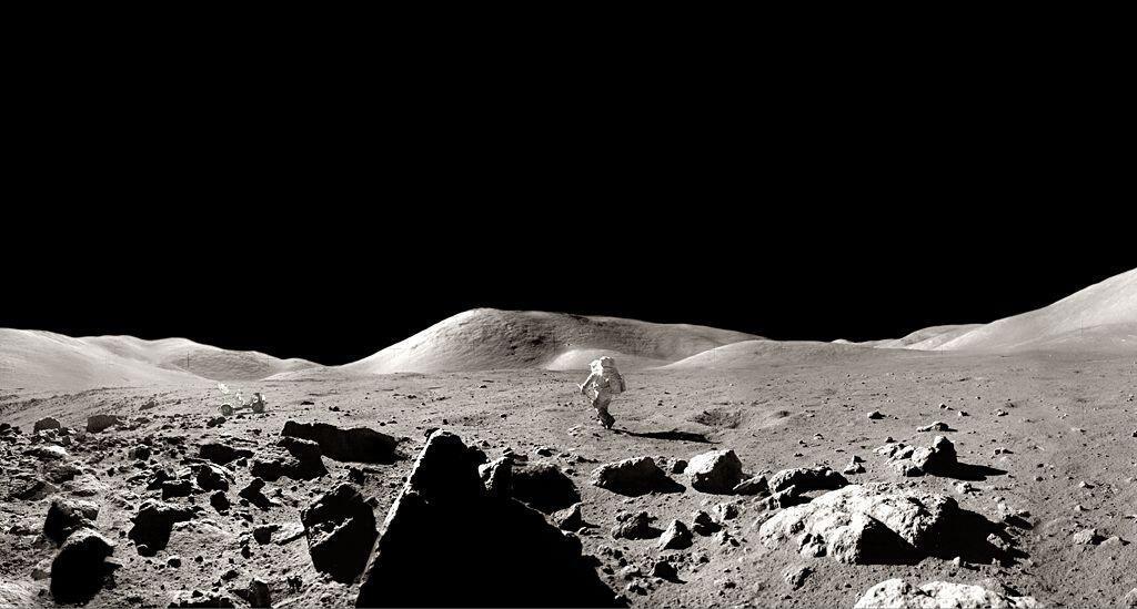 El géologo Harrison Schmitt en la luna, diciembre 1972, Apolo 17.