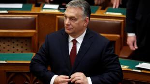 Luật « Stop-Soros » được trình lên Quốc Hội theo sáng kiến của thủ tướng Hungary Viktor Orban.