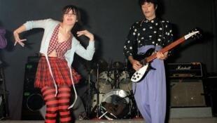 Nhóm Rita Mitsouko biểu diễn tại nhà hát La Cigale, 12/05/1987.