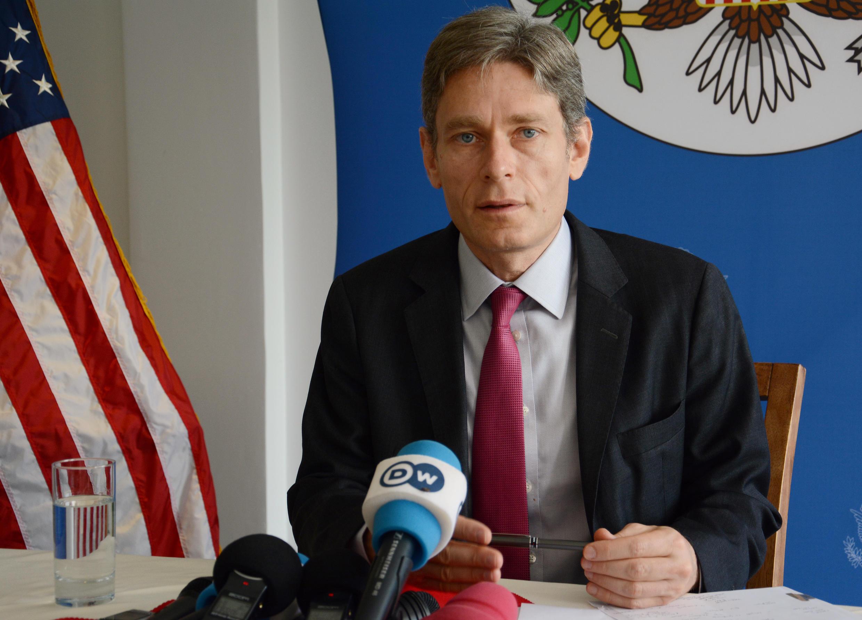 Lors de sa conférence de prese du 2 avril, à l'issue d'une visite de deux jours, Tom Malinowski a dressé un tableau sans concession de la situation des droits de l'homme au Burundi.