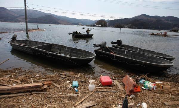 Plantação de arroz devastada na província de Ishinomaki, no litoral do Pacífico.