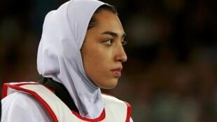 为伊朗拿到首枚奥运奖牌的跆拳道女子选手奇米娅-阿利扎德宣布永远离开祖国。