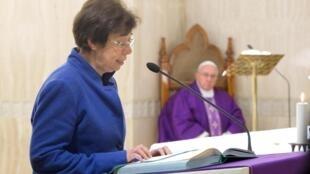 Francesca Di Giovanni, a primeira mulher a ocupar um cargo de alto escalão no Vaticano, é especialista em direito humanitário e multilateralismo.