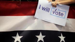 Bầu cử tổng thống Mỹ: Hơn 20 tiểu bang bị tin tặc nhắm tới.