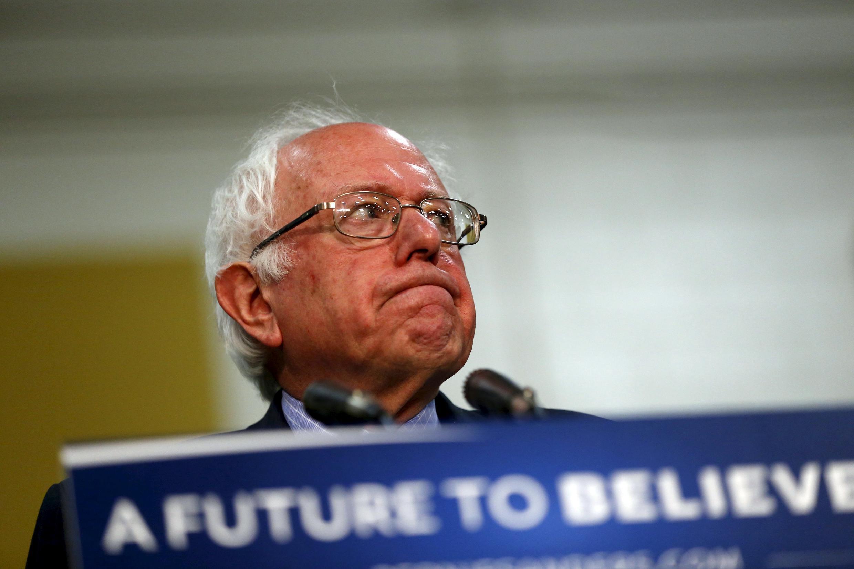Bernie Sanders quiere pesar en el programa político de Hillary Clinton.