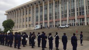 Le palais du peuple, le Parlement congolais.