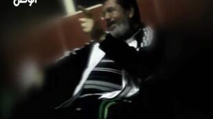埃及媒体 Al Watan newspaper 刊登的穆尔西在监狱里的录像