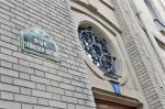A placa da rua da editora vai ser mudada no dia 15 de junho, para Rue Gaston Gallimard.