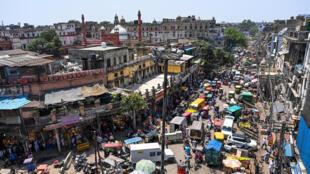 Nova Deli, capital da Índia, está confinada a partir de hoje e por pelo menos uma semana.