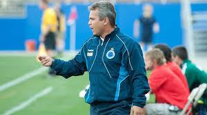 O Brasileiro Alexandre Grasselli, treinador do Petro